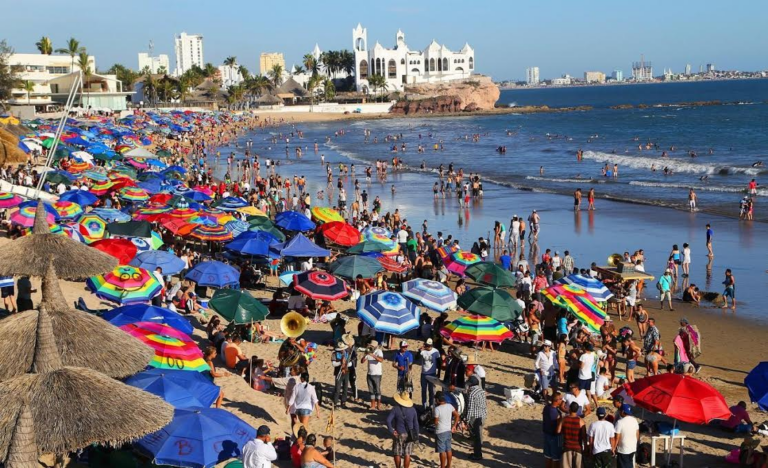 Mazatlán will not close its beaches for Easter (Semana Santa)