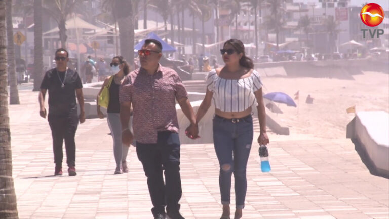 Out of every 10 tourists in Mazatlán, only 6 wore face masks during Easter (Semana Santa) holidays